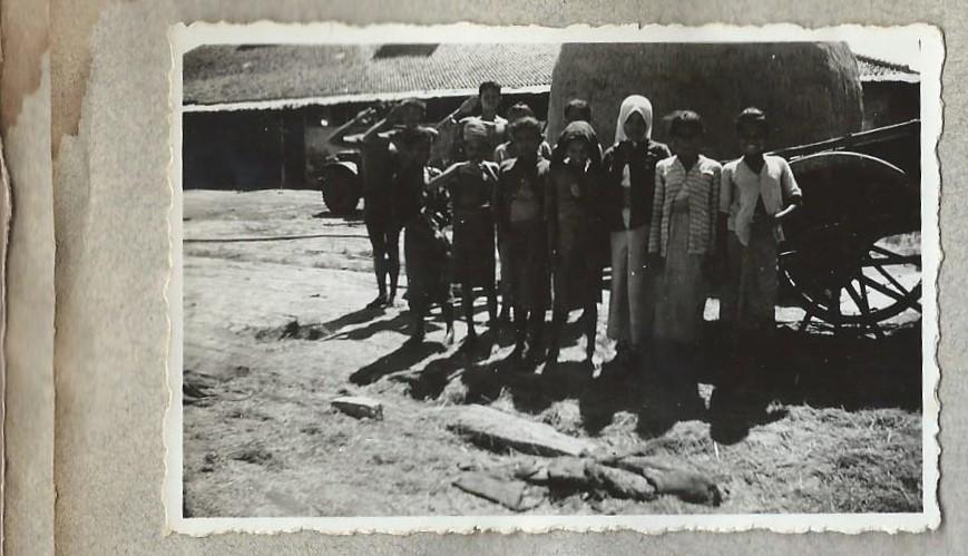 <b>Meestal waren de mensen in de kampongs blij dat zij hun leven weer op konden pikken</b>